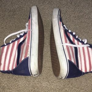 a6bfe5f103 Vans Shoes - Men s converse USA flag colors high tops size 12